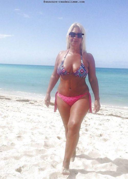Couple cherche homme pour accompagner madame a la plage cet été
